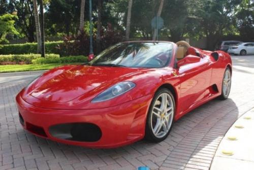 Ferrari Rijden Geef Een Rit In Een Sportwagen Cadeau
